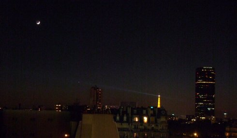 La Tour Eiffel, Mercury and the Moon