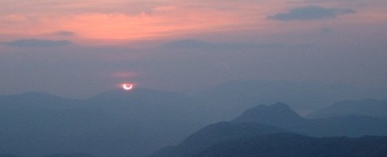 Annular eclipse seen from Scotland in 2003