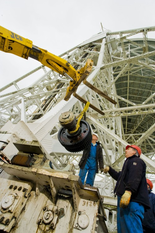 Lovell Telescope repair