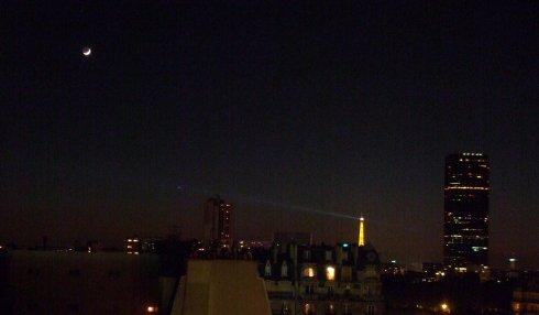 La Tour Eiffel, Mercury and the Moon